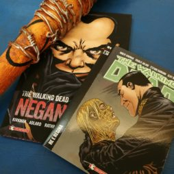 Fumetto di The Walking Dead con Negan e la sua mazza Lucille in fumetteria